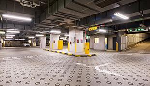 広々スペース地下駐車場